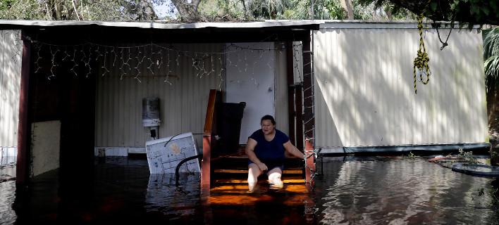 Τυφώνας Ιρμα: Ανακαλύφθηκαν 5 πτώματα σε γηροκομείο της Φλόριντα -Είχε μείνει χωρίς ρεύμα/ Φωτογραφία: David Goldman/AP