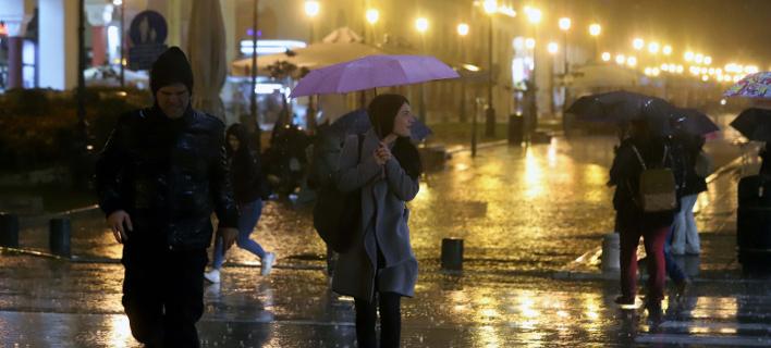 Αστατος καιρός με βροχές και ισχυρές καταιγίδες την Κυριακή
