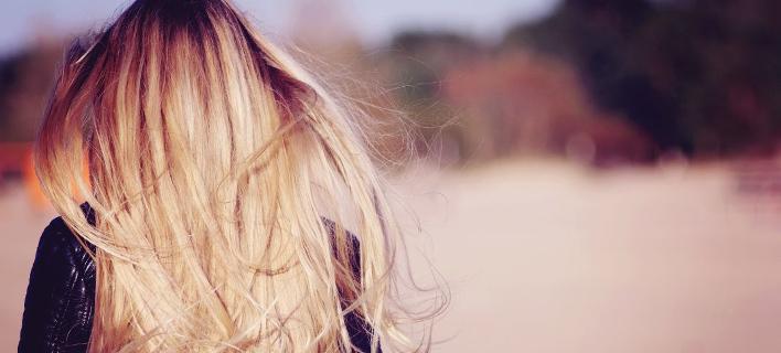 Γυναίκα με ίσια μαλλιά/Shutterstock/By Nevada31