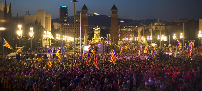 Μαζική συγκέντρωση Καταλανών για το δημοψήφισμα (Φωτογραφία: AP/ Francisco Seco)