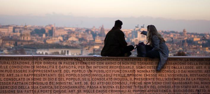 Αποτέλεσμα εικόνας για φεύγουν οι Ιταλοί στο εξωτερικό