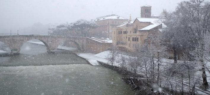 Σιβηρικό κρύο στην Ευρώπη -Χιόνιας από τη Μόσχα μέχρι το Παρίσι [εικόνες]
