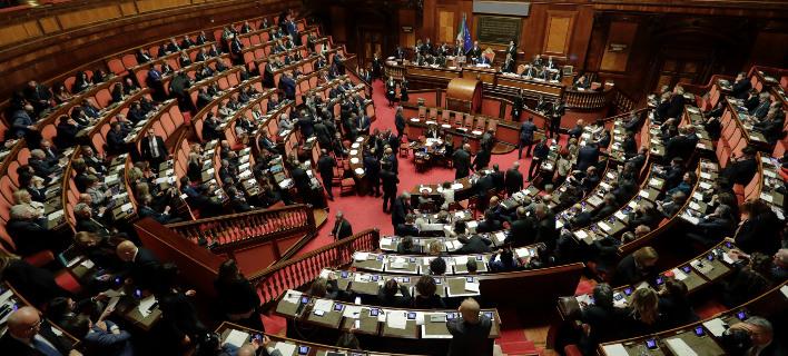 Το κοινοβούλιο έδωσε «πράσινο φως» στον νέο νόμο για τα εργασιακά/ Φωτογραφία AP images