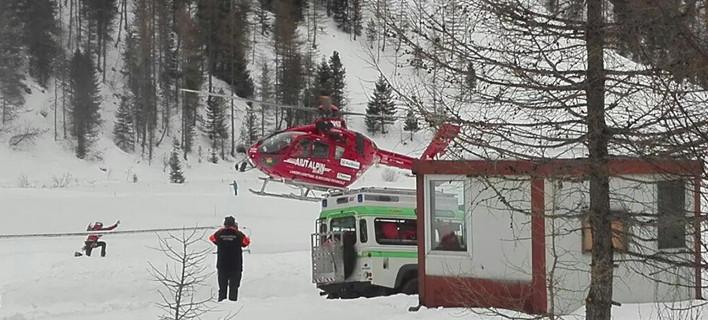 (ελικόπτερο σπεύδει στον τόπο του δυστυχήματος, Ansa, AP)