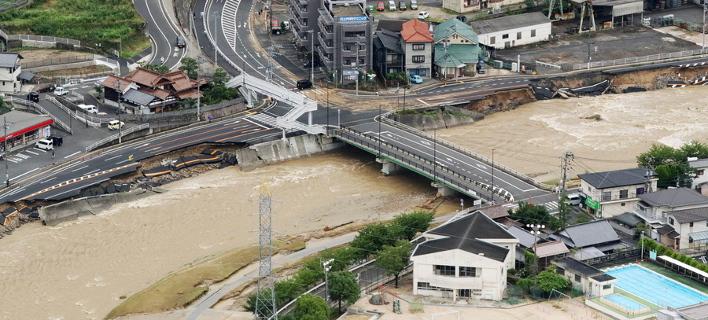 Δεκάδες νεκροί από τις πλημμύρες στην Ιαπωνία (Φωτογραφία: ΑΠΕ/  EPA/JIJI PRESS)