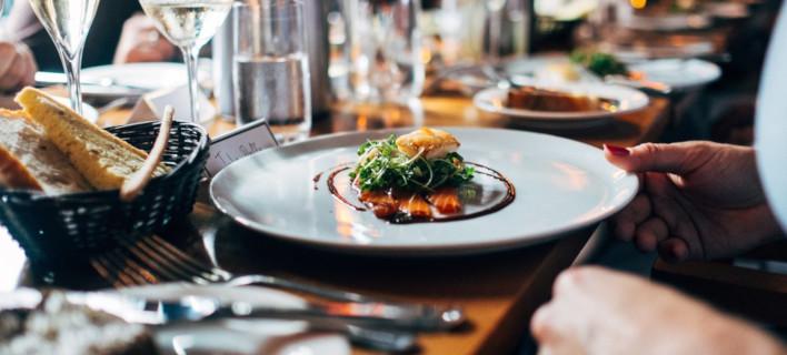 Πιάτο με φαγητό /Φωτογραφία: Unsplash/Jay Wennington