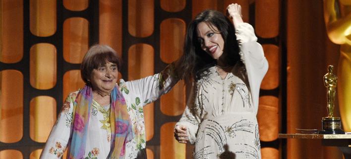 Ο χορός της Τζολί με την ελληνικής καταγωγής σκηνοθέτιδα Ανιές Βαρντά θα μείνει στην ιστορία [βίντεο]