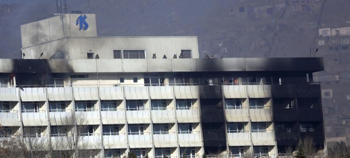 Οι Ταλιμπάν ανέλαβαν την ευθύνη για την επίθεση στο Intercontinental (AP/ Rahmat Gul)