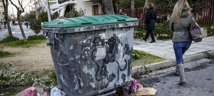 Η κάμερα ασφαλείας έπιασε τον γείτονα που κατέβαζε τα σκουπίδια -Ούτε τον δολοφόνος, ούτε τον μεταφορέας του βρέφους