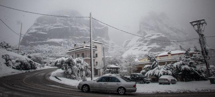 Χιόνια στην Καλαμπάκα/ Φωτογραφία: EUROKINISSI- ΘΑΝΑΣΗΣ ΚΑΛΛΙΑΡΑΣ