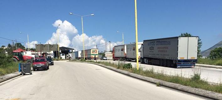 Ιωάννινα: Φορτηγό έφτασε στο τελωνείο της Κακαβιάς με έναν τόνο χασίς!
