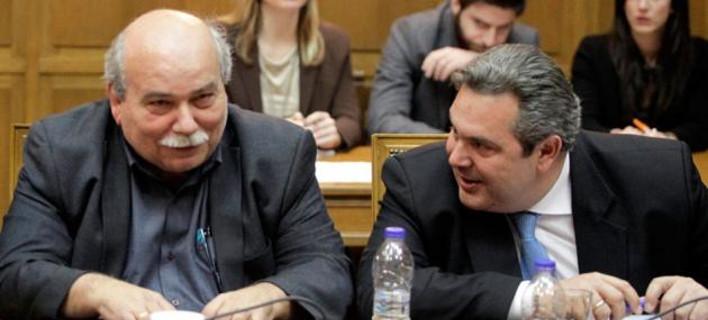 Ακόμη και το ηγετικό στέλεχος του Ρουβίκωνα τρολάρει την κυβέρνηση
