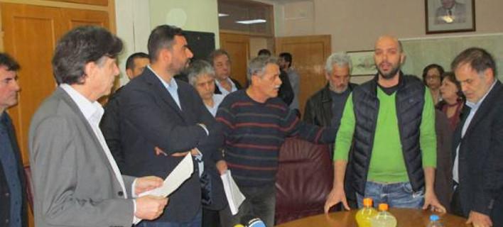 Υβρεις και ένταση για τον υφυπουργό Παιδείας στην Καλαμάτα – Τα... άκουσε από πολίτες και φορείς [βίντεο]