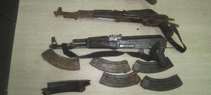 Εφερναν βαρύ οπλισμό από την Αλβανία -Χειροβομβίδες, εκρηκτικές ύλες και πυρομαχικά [εικόνες]