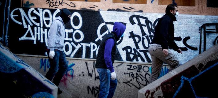 Τέσσερις συλλήψεις για κατάληψη κτιρίου στα Εξάρχεια -Ενας έχει κατηγορηθεί για σύνδεση με τρομοκρατία [εικόνες]