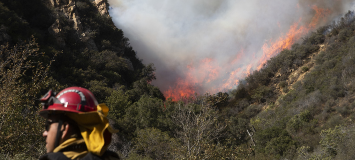 Ανεξέλεγκτη η φωτιά στην Καλιφόρνια/ Φωτογραφία: AP- Jae C. Hong