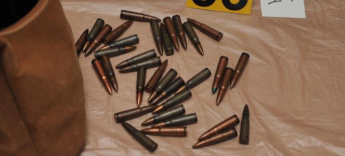 Δύο τσουβάλια με 1.028 σφαίρες καλάσνικοφ εντοπίστηκαν στα ελληνοαλβανικά σύνορα