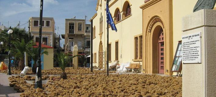 Σφουγγάρια απλωμένα για στέγνωμα, Φωτογραφία: eurokinissi