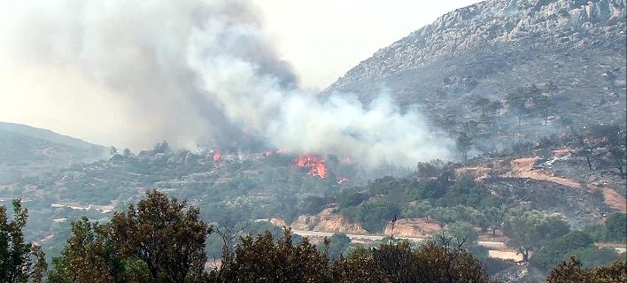 Αποτέλεσμα εικόνας για φωτιά στα Καλύβια