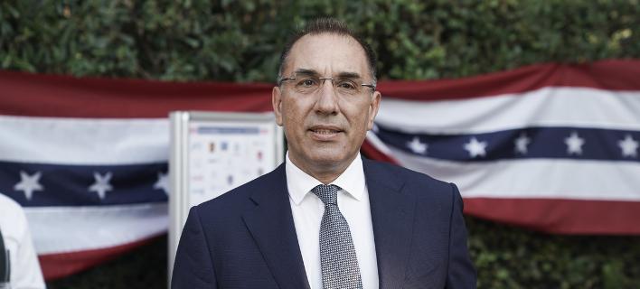 Ο ανεξάρτητος βουλευτής Δημήτρης Καμμένος στην πρεσβευτική κατοικία των ΗΠΑ στην Αθήνα για τον εορτασμό της 4ης Ιουλίου-Φωτογραφία: SOOC/ Menelaos Myrillas