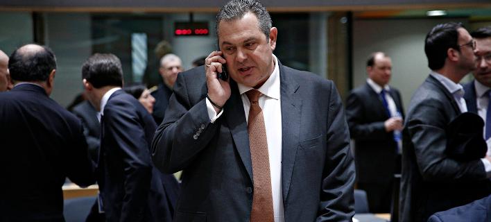 Σάλος στο Twitter με τη σόκιν γραβάτα Καμμένου, μετά το Eurogroup [εικόνες]