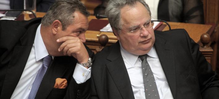 Ο Πάνος Καμμένος & ο Νίκος Κοτζιάς (Φωτογραφία: EUROKINISSI/ΓΙΩΡΓΟΣ ΚΟΝΤΑΡΙΝΗΣ)