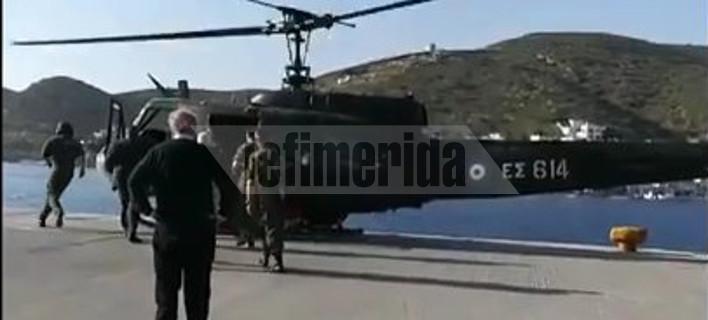 Δείτε τον Πάνο Καμμένο να πιλοτάρει στρατιωτικό ελικόπτερο και να κάνει κατάδυση [βίντεο]