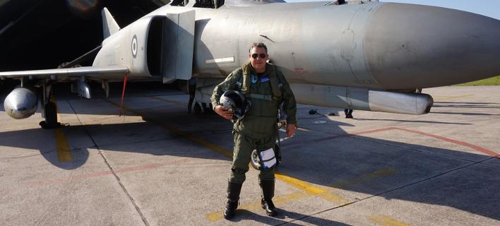 O Καμμένος... πιλότος – Φόρεσε στολή και πέταξε για την Ανδραβίδα [εικόνες]