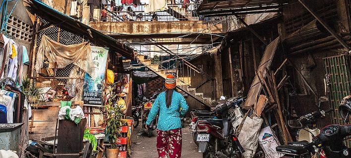 Το παλάτι των φτωχών στην Καμπότζη -Το κτίριο ορόσημο που μαράζωσε [εικόνες]