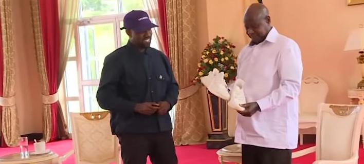 Ο Κάνιε Γουέστ με τον πρόεδρο της Ουγκάντας