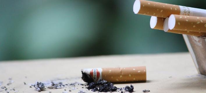 «Το λάθος του 20ού αιώνα διορθώνεται» - Μειώνονται οι καπνιστές στην Ελλάδα