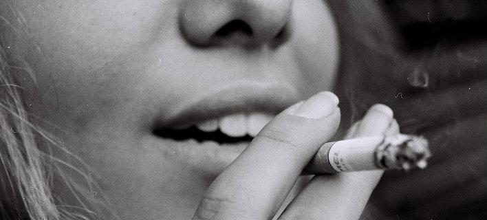 Το κάπνισμα η σημαντικότερη αιτία πρόωρων θανάτων στην ΕΕ (Φωτογραφία: Unsplash)