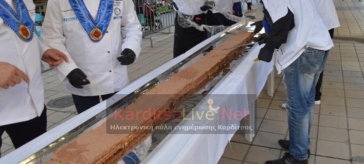 Πάνε για ρεκόρ Γκίνες -Φτιάχνουν τη μεγαλύτερη σοκολατίνα του κόσμου [εικόνες & βίντεο]