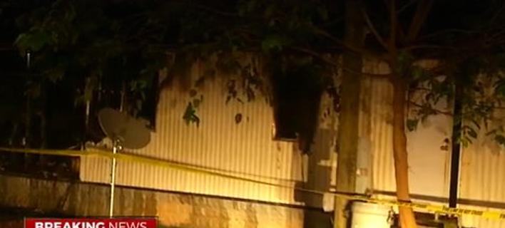 Ενας 22χρονος μπήκε ξανά στο φλεγόμενο σπίτι του για να πάρει το κινητό του