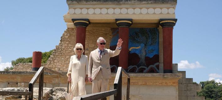 «Μια φανταστική γιορτή» -Τα tweets και οι φωτογραφίες του Καρόλου από την Κρήτη [εικόνες]