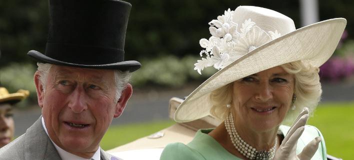 Ο πρίγκιπας Κάρολος και η Καμίλα /Φωτογραφία: AP