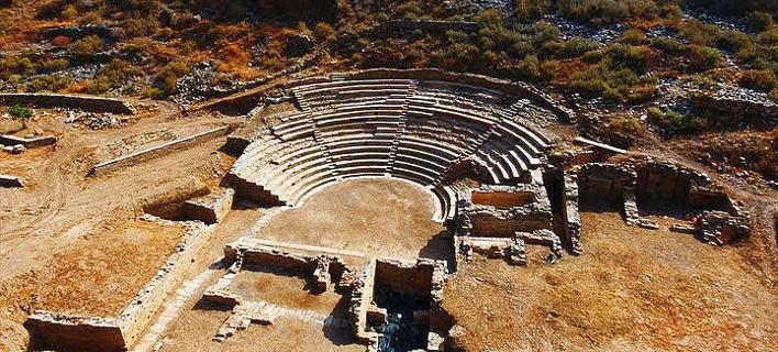 Καρθαία: Παράσταση όπως στην αρχαιότητα -Χωρίς μικρόφωνα και ρεύμα, με το φως της ημέρας