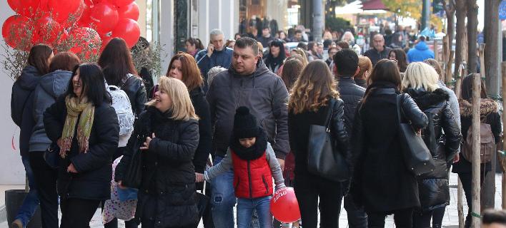 Ανοιχτά θα είναι σήμερα τα καταστήματα (Φωτογραφία: MOTIONTEAM/ΦΑΝΗ ΤΡΥΨΑΝΗ)