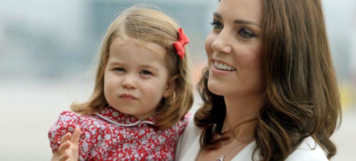 Η Κέιτ Μίντλετον με την κόρη της Σάρλοτ. Φωτογραφία: Splash News