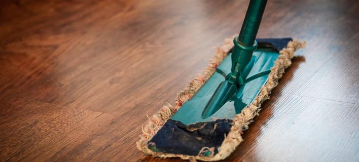 Καθαρίζοντας το σπίτι /Φωτογραφία: Pexels
