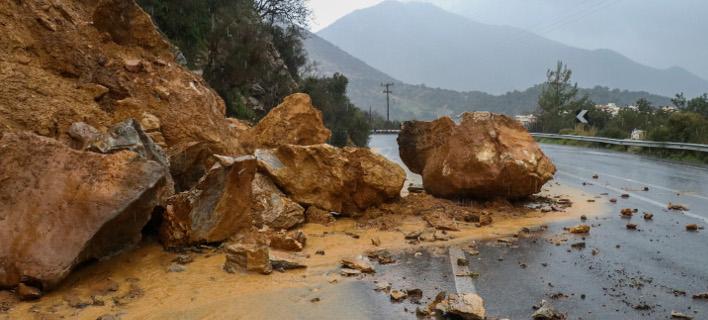 Κατολίσθηση εξαιτίας της κακοκαιρίας στην Κρήτη (Φωτο: Eurokinissi)