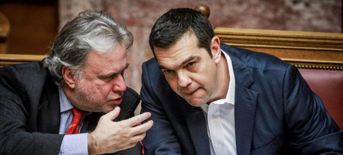 Γιώργος Κατρούγκαλος και Αλέξης Τσίπρας -Φωτογραφία αρχείου: EUROKINISSI/ ΓΙΩΡΓΟΣ ΚΟΝΤΑΡΙΝΗΣ