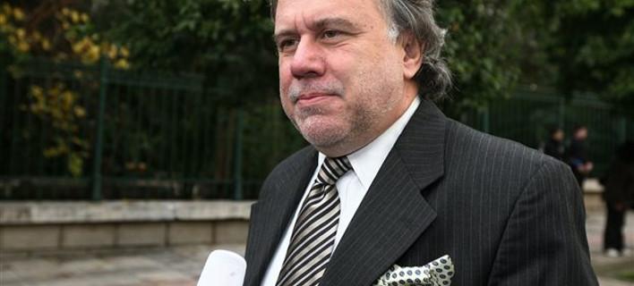 Κατρούγκαλος: Θα τα πάρουμε από αυτούς που φοράνε μαντιλάκι και γραβάτα σαν εμένα