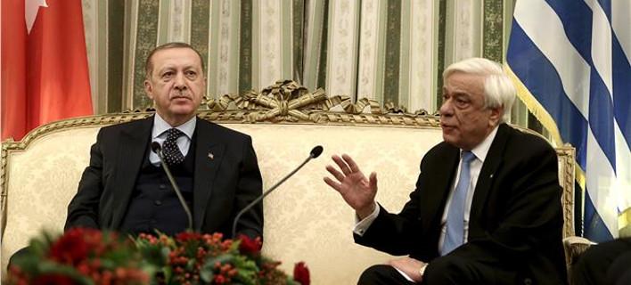 Η κυβέρνηση στηρίζει Παυλόπουλο: Επανέλαβε τις ελληνικές θέσεις -Το τανγκό θέλει δύο