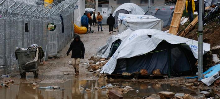 Μετά την παγκόσμια κατακραυγή στέλνουν το ΚΕΕΛΠΝΟ στη Λέσβο