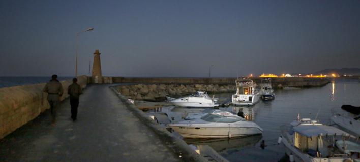 Στην Κερύνεια μεταφέρθηκε το αλιευτικό (Φωτογραφία αρχείου: AP/ Petros Karadjias)