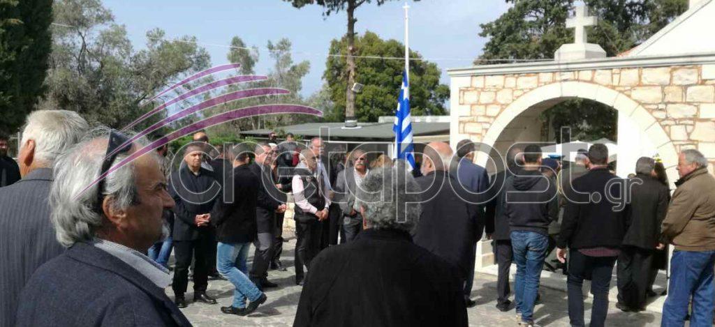 Αβάσταχτη οδύνη στην κηδεία του υποστράτηγου Γ. Τζανιδάκη [εικόνες] Khdeia2-1024x469