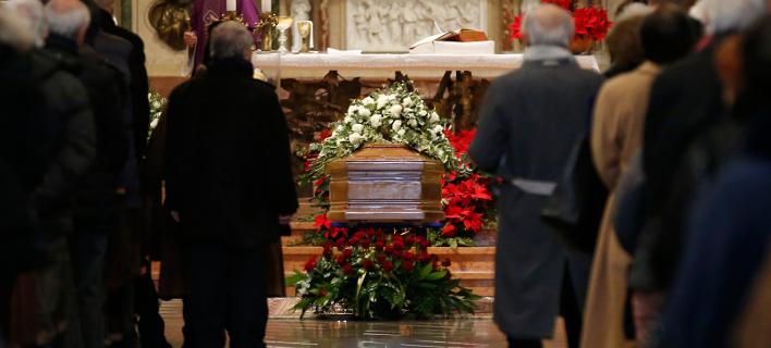 Ιταλία: Μαζί θα κηδευτεί το ομόφυλο ζευγάρι που πέθανε από αναθυμιάσεις την Πρωτοχρονιά (Φωτογραφία αρχείου: AP Photo/Antonio Calanni)