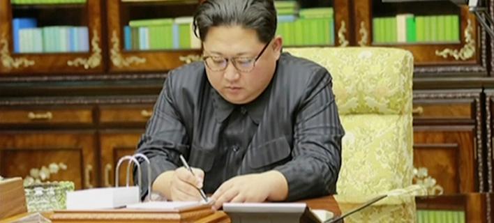 Ο Κιμ Γιονγκ Ουν απαντά στον Τραμπ: Πυρηνικός πόλεμος, αν μας κάνεις ναυτικό αποκλεισμό /Φωτογραφία: APimages