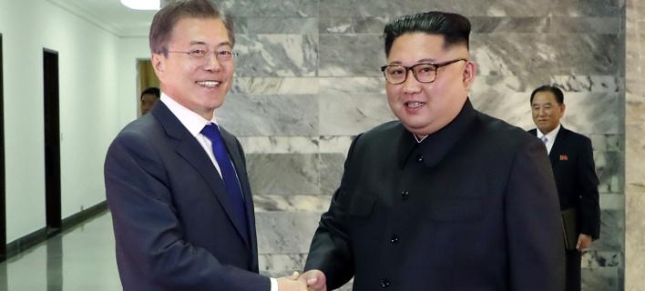 Νέες συνομιλίες ξεκίνησαν οι Βόρεια και Νότια Κορέα. Φωτογραφία: AP